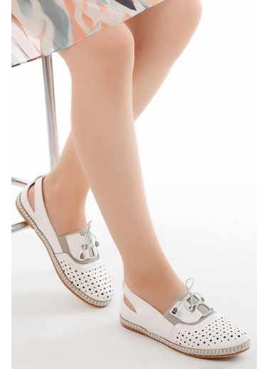 Ayakland Ayakland Cns 027 T.Lazerli Günlük Bayan Babet Ayakkabı Beyaz